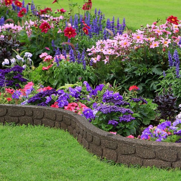 Flexible Garden Border Rockwall Effect, Brown 1.2m
