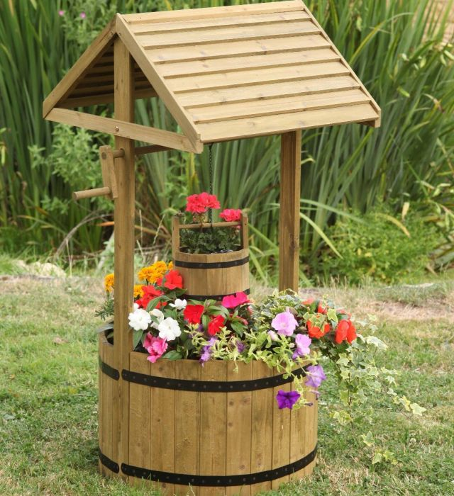 Wishing Well Flower Planter